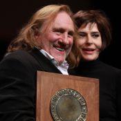 Gérard Depardieu extrêmement ému, dans la lumière avec Fanny Ardant et ses amis