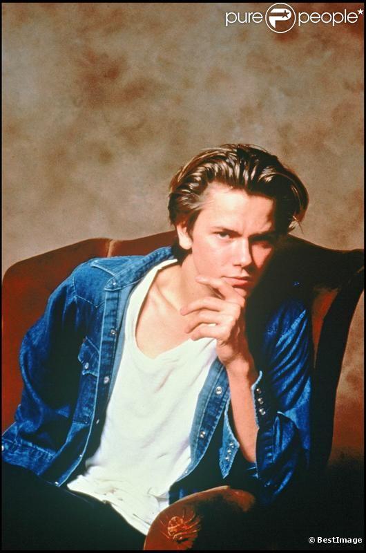 Le jeune River Phoenix en 1988 sur le tournage d'A bout de souffle.