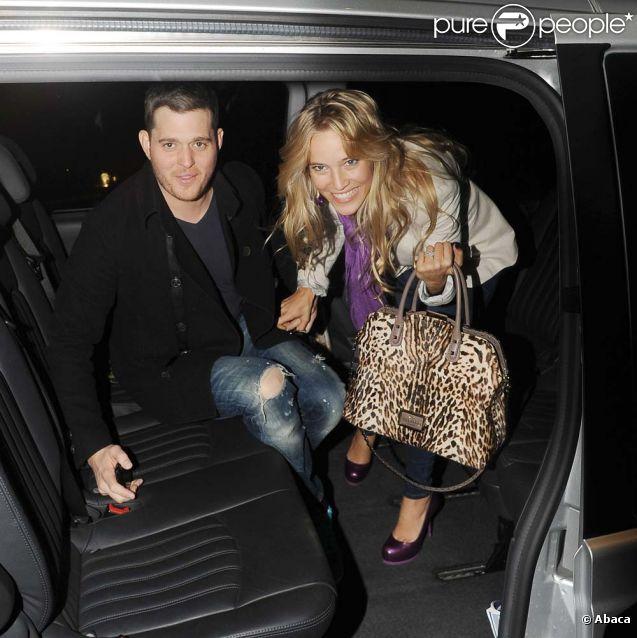 Michael Bublé et son épouse Luisana, à Londres, le 20 octobre 2011.