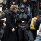 The Dark Knight Rises : Christian Bale en armure, face à un terrible Tom Hardy