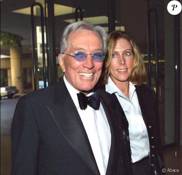 Le crooner américain Andy Williams (photo : en avril 2001 avec sa femme Debbie), à bientôt 84 ans, s'st découvert un cancer de la vessie, comme annoncé début novembre 2011.