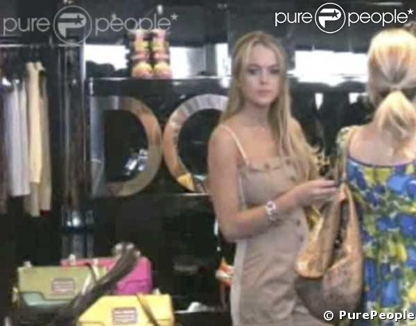 Lindsay Lohan dévalise Cannes, en bonne compagnie !