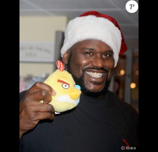 Shaquille O'Neal en Père Noël le 14 novembre 2011 à New York