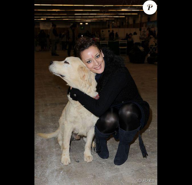 Kelly bochenko bless e au front assiste au no l des animaux au parc des expositions de la - Porte de versailles animaux ...