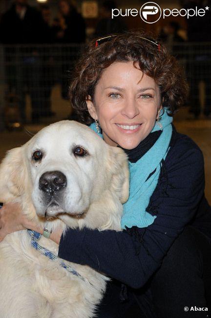 Corinne touzet et kelly bochenko de gros c lins pour les animaux orphelins - Animaux porte de versailles ...