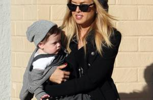 Rachel Zoe : la maman stylée est de sortie avec son petit Skyler sous le bras