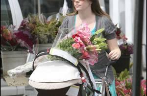 PHOTOS  EXCLUSIVES : Melissa Joan Hart : sortie fleurie avec ses bébés !