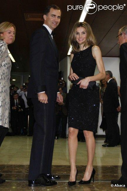 """Letizia d'Espagne et Felipe d'Espagne, sublimes, lors de la cérémonie des """"Cavia, Mingote and Luca de Tena Journalist Award"""", dans les locaux du journal ABC à Madrid, le 29 novembre 2011"""