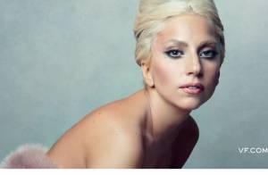 Lady Gaga : Nue ou habillée mais toujours très impliquée