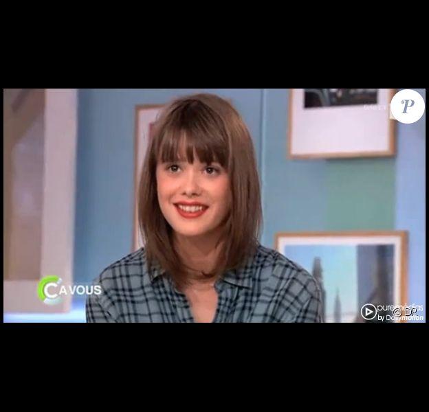 La jolie Mathilde Warnier, invitée dans C à vous sur France 5 le mercredi 16 novembre 2011