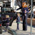 Marcia Cross vient chercher ses fillettes à l'école à Los Angeles, le 16  décembre 2011.