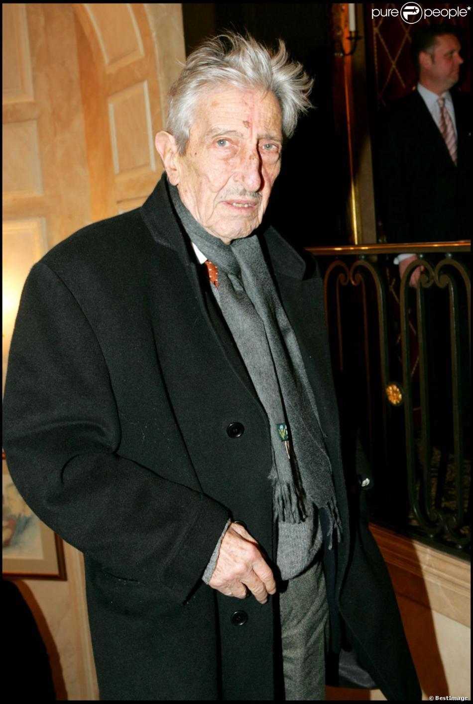 Maurice Garrel, grand-père de Louis Garrel, est mort le 4 juin 2011.