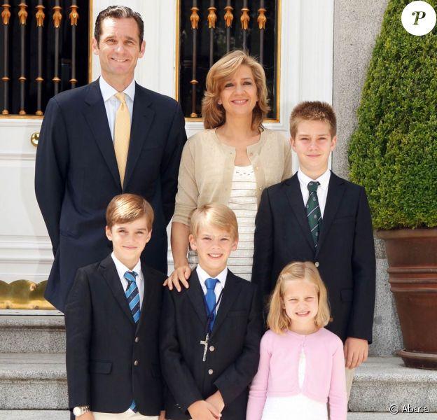 Iñaki Urdangarin, époux de l'infante Cristina d'Espagne, est dans le collimateur de la justice ibérique pour des soupçons de détournement de fonds. Il est covoqué au tribunal de Palma de Majorque le 6 février 2012.