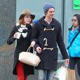 Emma Stone et son petit ami Andrew Garfield se promènent dans les rues de New York le 8 janvier 2012