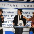 Justin Bieber inaugure un nouveau robot qui danse au salon CES de Las Vegas, le 11 janvier 2012