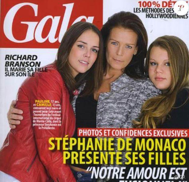 La princesse Stéphanie de Monaco livre une interview croisée débordant d'amour avec ses deux filles, Pauline et Camille, dans le magazine Gala en date du 18 janvier 2012.