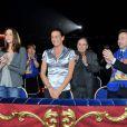Sous le chapiteau Fontvieille, la princesse Stéphanie et sa fille Pauline Ducruet, avec Stéphane Bern et Robert Hossein, n'ont pas ménagé leurs applaudissements dimanche 22 janvier 2012, pour la quatrième soirée de spectacle du 36e Festival international du cirque de Monte-Carlo.