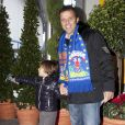 Le grand champion de moto GP Loris Capirossi et son fils de 4 ans, Riccardo, dimanche 22 janvier 2012 au 36e Festival international du cirque de  Monte-Carlo.