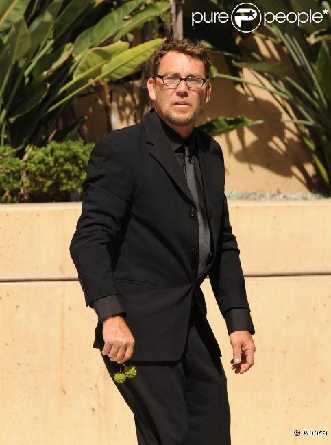 Griffin O'Neal lors des funérailles de Farrah Fawcett le 30 juin 2009