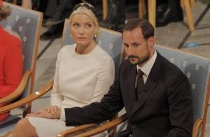 Le prince Haakon et la princesse Mette-Marit évacués d'urgence d'un avion