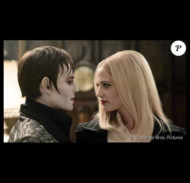 Johnny Depp et Eva Green dans Dark Shadows.