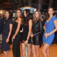 Crystal Renn, Irina Shayk, Jessica Gomes, Nina Agdal et Michelle Vawer  font le bonheur des agents du NYSE. New York, le 14 février 2012.