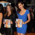 Nina Agdal et Michelle Vawer, deux mannequins sexy qui posent pour  Sports Illustrated Swimsuit Issue  et tiennent l'édition 2012 avec Kate Upton en couverture. New York, le 14 février 2012.