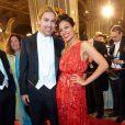 Rosario Dawson avec le violoniste David Garrett au 56e Bal de l'Opéra de Vienne.   Comme chaque année, de nombreuses célébrités et personnalités ont assisté en toute élégance au 56e Bal de l'Opéra de Vienne, le 16 février 2012.