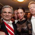 Boris Becker et Lilly Kerssenberg au 56e Bal de l'Opéra à Vienne.   Comme chaque année, de nombreuses célébrités et personnalités ont assisté en toute élégance au 56e Bal de l'Opéra de Vienne, le 16 février 2012.