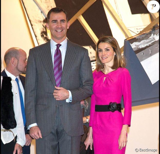 Letizia et Felipe d'Espagne inauguraient le 16 février 2012 le 31e Salon de l'art contemporain de Madrid, ARCOmadrid.