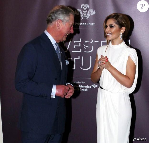 Le 23 février 2012, le prince Charles et Cheryl Cole se retrouvaient, un an jour pour jour après leur première rencontre, à l'occasion du dîner de bienfaisance annuel Invest in Futures organisé par The Prince's Trust à l'hôtel Savoy de Londres.