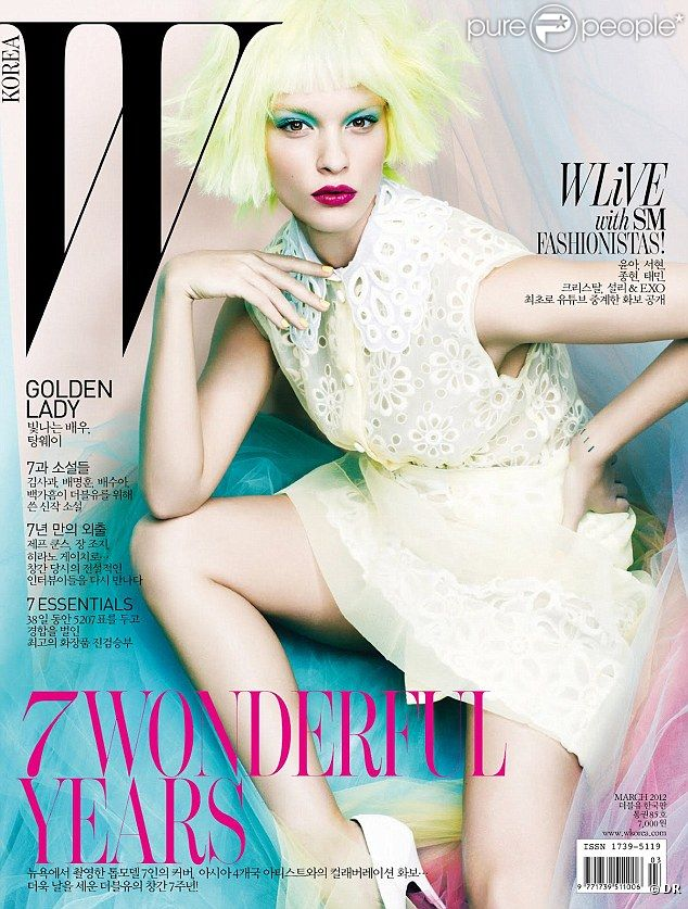 Crystal Renn, tout simplement superbe en couverture du magazine  W Korea  de mars 2012.
