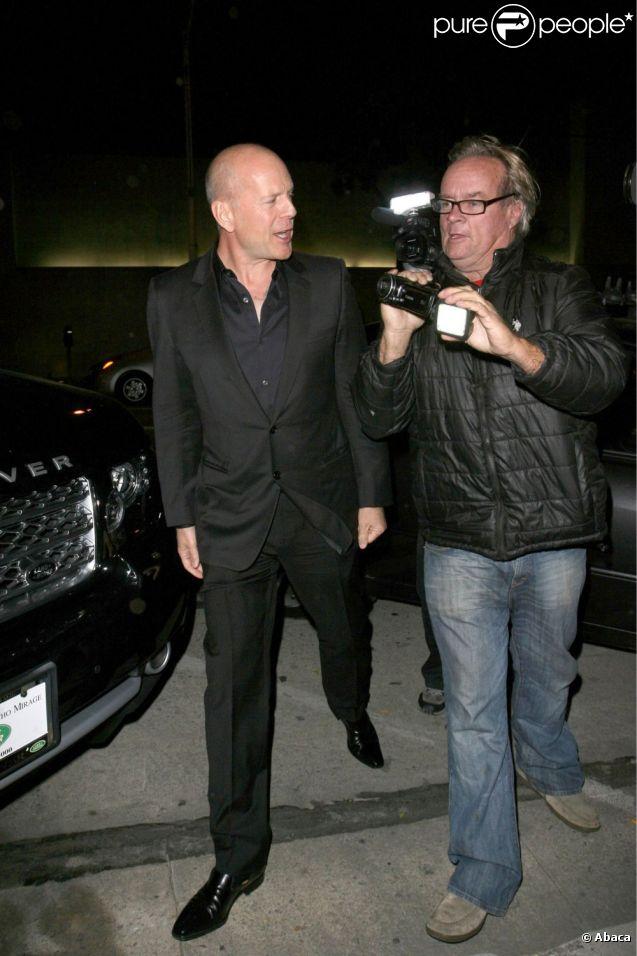 Bruce Willis sort du restaurant Craig's dans West Hollywood le 1er mars 2012