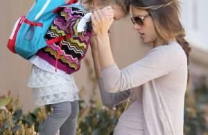 Alessandra Ambrosio, enceinte de 7 mois : Une maman active sur tous les fronts