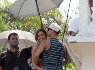 Jennifer Lopez, inséparable de Casper Smart, lui offre une promotion canapé