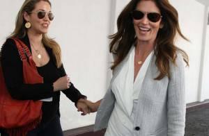 Cindy Crawford conseille sa bonne copine Elizabeth Berkley enceinte