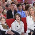 Philippe Poupon, Géraldine Danon et leurs enfants Loup, Laura et Marion le 27 mars lors du tournage de l'émission Vivement Dimanche qui sera diffusée le 1er avril 2012
