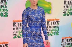 Kristen Stewart et Selena Gomez : la jeunesse glamour aux Kids' Choice Awards