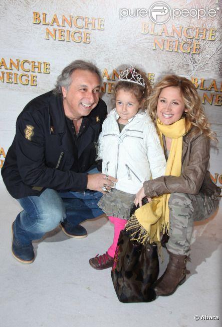 Gérard Pullicino, Lara Fabian et leur fille Lou lors de l'avant-première du film Blanche Neige à Paris au Gaumont Capucines le 31 mars 2012