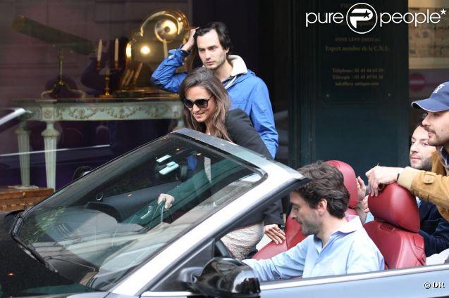 Pippa Middleton se enfrenta a penas de cárcel por la exhibición de un arma en París 833405-pippa-middleton-se-fait-raccompagner-en-637x0-2
