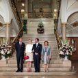 Le grand-duc héritier Guillaume de Luxembourg et sa fiancée la comtesse Stéphanie de Lannoy entourés du couple grand-ducal, Henri et Maria Teresa de Luxembourg, le 27 avril 2012 au château de Berg.   La comtesse Stéphanie de Lannoy, qui s'apprête à épouser le grand-duc héritier Guillaume de Luxembourg, prince de Nassau et de Bourbon-Parme, a été officiellement présentée aux autorités nationales, à la presse et au public le 27 avril 2012. La séance photo a eu lieu au palais grand-ducal, au lendemain de l'annonce de leurs fiançailles.