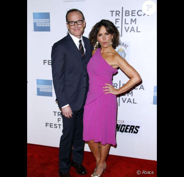 Clark Gregg et Jennifer Grey lors de l'avant-première à New York dans le cadre du festival de Tribeca du film Avengers, le 28 avril 2012