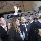 Nicolas Sarkozy entouré de sa femme Carla et de ses proches au Trocadéro