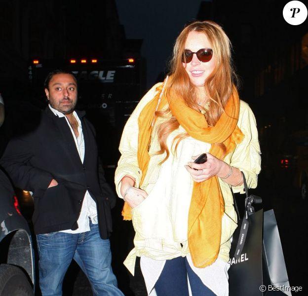 Lindsay Lohan en sortie shopping avec Vikram Chatwal, qui serait son nouveau petit ami, à New York le 2 mai 2012