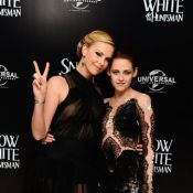 Charlize Theron joue sur la transparence, au côté de Kristen Stewart en dentelle
