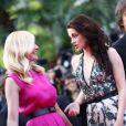 Kirsten Dunst et Kristen Stewart lors de la montée des marches de  Sur la route , au Festival de Cannes le 23 mai 2012.