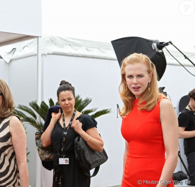 Nicole Kidman au Mouton Cadet Wine Bar à Cannes durant le Festival 2012