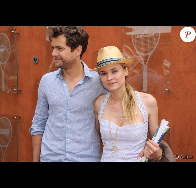 Diane Kruger et Joshua Jackson le 31 mai 2012 dans les travées de Roland-Garros à Paris