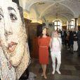 La princesse Mary inaugurait le 31 mai 2012 au Musée national d'histoire de Copenhague son portrait réalisé par l'artiste Gugger Petter.