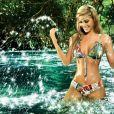 Lina Posada joue dans l'eau pour la marque Paradizia - mai 2012